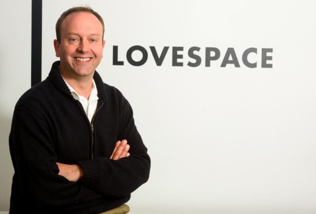 Brett Akker LOVESPACE